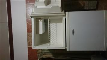 Small singer bar fridge