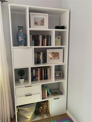 Bookshelves, Shelves