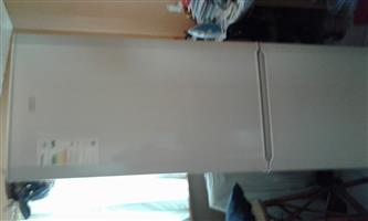 Defy dubble door frigde / freezer for sale.