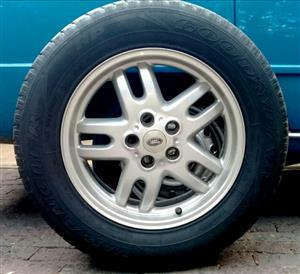 To Swop/Sell - Land Rover/Range Rover spare wheel & Rim