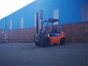 Forklift for sale 2.5 Ton 7 Series Toyota job-227