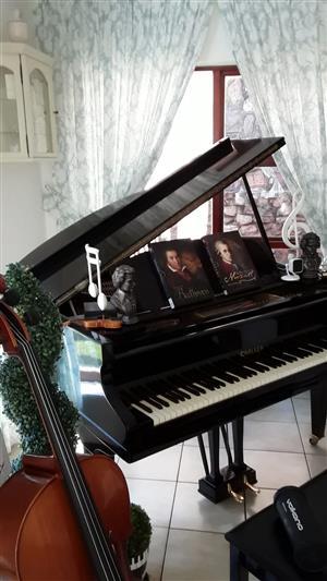 Baby Grand Boudoire Piano Challen 1914