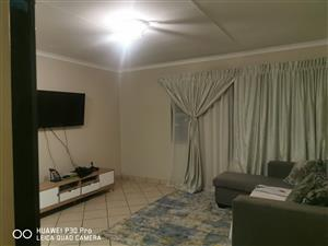 Townhouse for rent in Birchleigh, Kempton Park