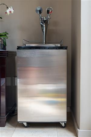 Home brewing - dual tap beer dispenser Kegerator fridge with gas dispensing system for sale
