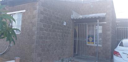 2 Bedroom House For Sale in Belhar