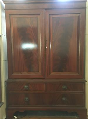 INCREDIBLY SOUGHT AFTER AND VERY RARE AT THIS PRICE!!   PREVIOUS CABINET WAS SOLD IN  HOUR !! CLASSIC REVIVALS