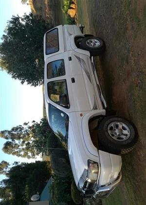 2004 Toyota Hilux 3.0D 4D Raider