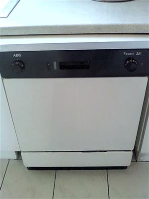 Dishwasher AEG-Favorit-251