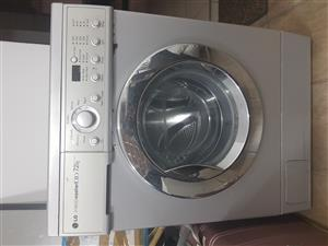 LG WASHING MACHINE FOR SALE IN FOURWAYS..