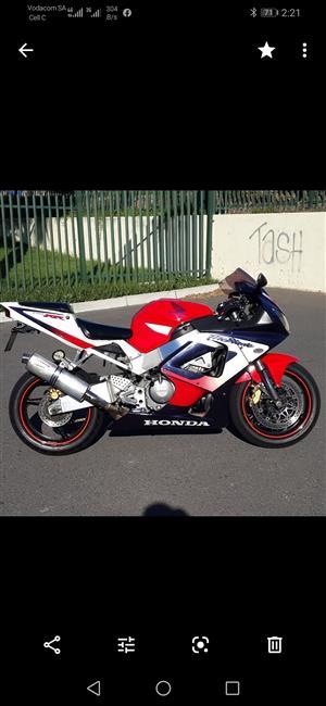 2001 Honda CBR