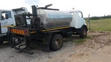 Mercedes 3000lt bitumen distributer