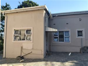 Spacious Garden Cottage to rent in Seaview R6500pm