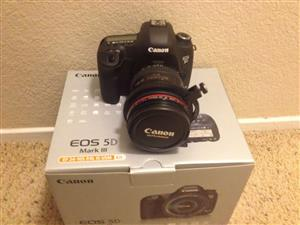 Canon eos 5d mark iii with 24-105mm lens with 1100 shutter