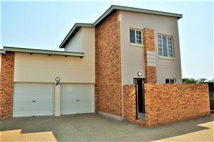 2-Bedroom / 2-Bathroom Townhouse To Let in Hazeldean Tyger Valley Pretoria East