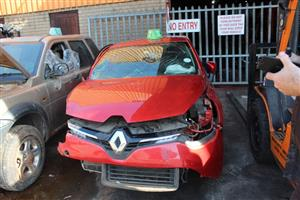 Stripping this vehicle  RENAULT CLIO 6 900 TURBO 2016