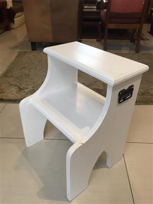 Painted Solidwood 2 step / Stool with easy hold side carry handles
