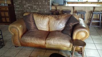 3-piece second hand leather lounge-suite