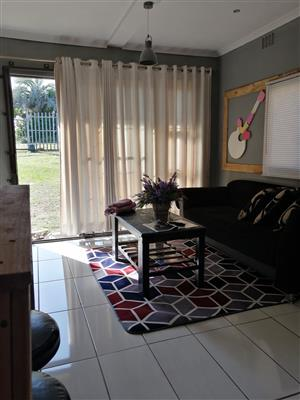 Granny flat for rent in Yellowwood Park