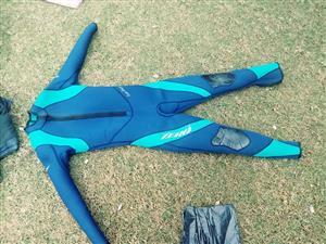 Diving suit Te koop