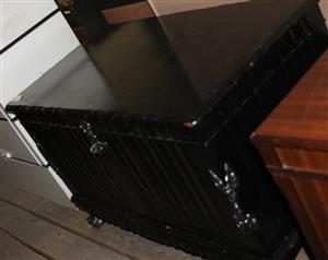 Brown wooden kist S031007A #Rosettenvillepawnshop