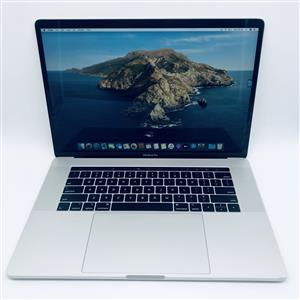 2018 Apple MacBook Pro 15-inch 2.2GHz 6-Core i7 (Touch Bar, 256GB, Silver) - Pre Owned
