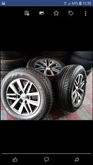"""18"""" Toyota Fortuner mag wheels and tyres."""