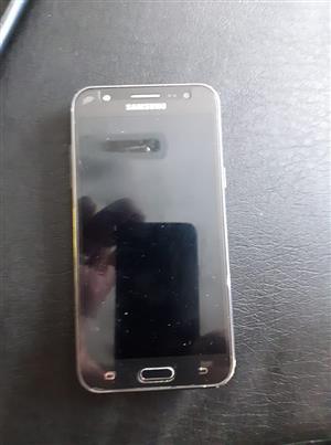 Te koop J5 Samsung foon