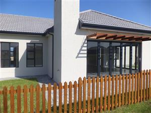 STUNNING NEW FAMILY HOME ON THE ESTEEMED BLUE MOUNTAIN VILLAGE ESTATE IN GEORGE WESTERN CAPE