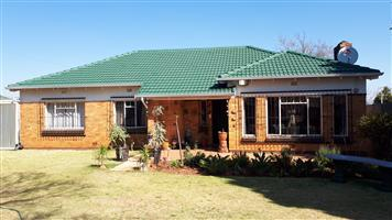 3 Bedroom house to rent, Horsion, Roodepoort, Westrand.