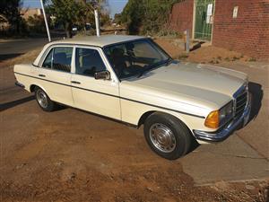 1983 Mercedes Benz 200E