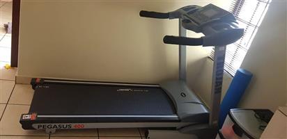 Trojan Pegasus 400 treadmill