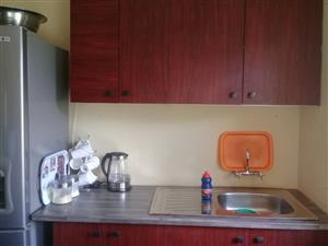 1bed,lounge/kitchen, shower n toilet R3500