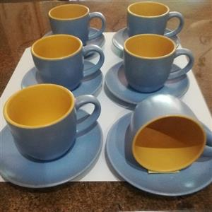 Beautiful 6 cups and saucers 3