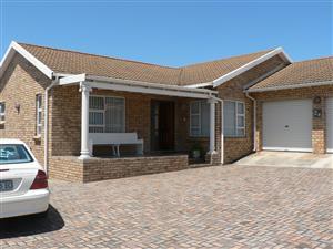 Stunning 3 bedroom home in Humerail, Port Elizabeth