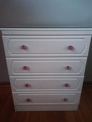 Chest of drawers te koop