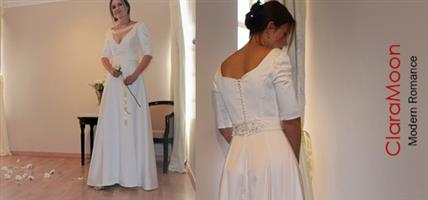 Timeless Elegant New Wedding Gown for sale