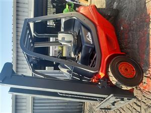 LINDE MACHINES FOR SALE - 2.5 TON