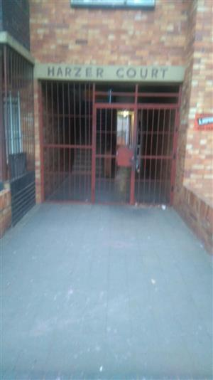 Southdale Harzer Court 1bed flat R2500