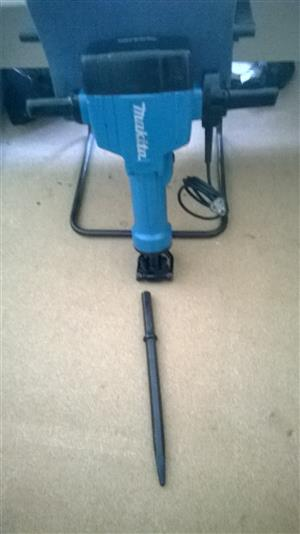 Makita 2000 watt electric jackhammer