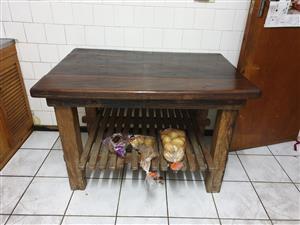 Sleepers wood dinning room set