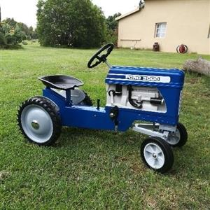 Ford 3000 pedal tractor