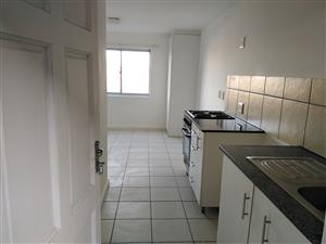 Spacious Small Bachelor apartment KENSINGTON-