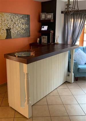 Bar Counter Chunky Farmhouse series 2200 L shape with turned legs - Two-toned