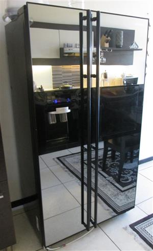 Samsung Side By Side Mirror Fridge With Ice Dispenser And Water 230