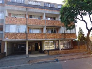 Room available to rent immediately in Yeoville, 65 Muller street