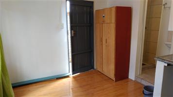 bachelor flat - Menlyn