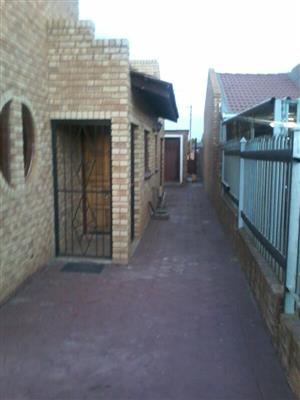 House for sale. Soshanguve GG