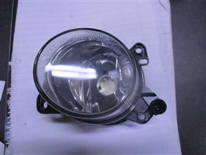 Mercedes Benz w212 w204  left hand side fog light for sale !!