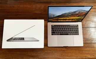 MacBook Pro (15-inch, 2017) Touch Bar (Top of the Range)