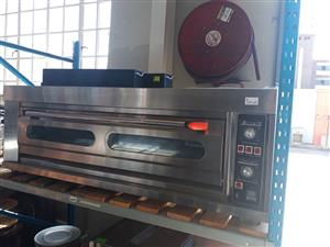 Brand new single deck 3 pan oven